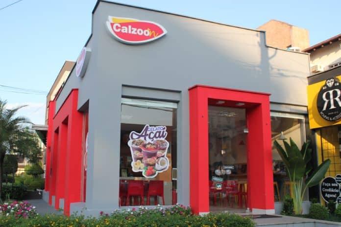 Calzoon vai inaugurar 22 unidades até abril